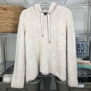 AMERICAN EAGLE | oversized SOFT fuzzy pullover top